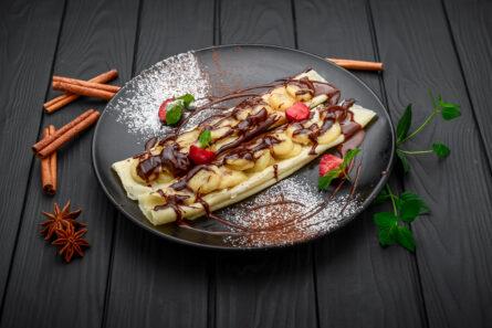 Млинці з бананом і шоколадом