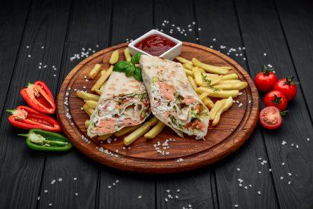 Шаурма з лососем меню